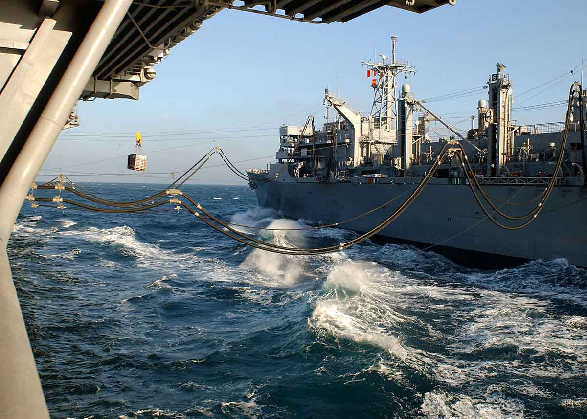 UNREP (REFUELLING AT SEA)